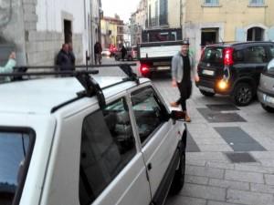 Tipico ingorgo tra Via D'Annunzio e Via Battisti a Sant'Andrea di Conza