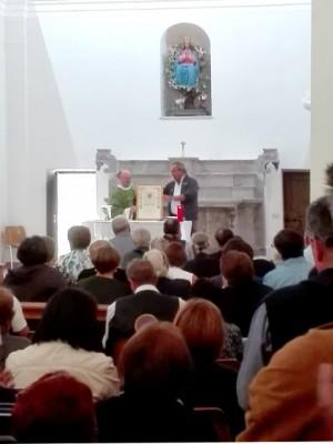 La pergamena di Papa Francesco consegnata da Davide Maraffino