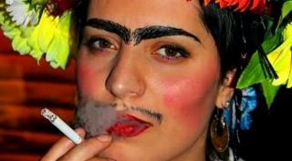 """Fiori e ... fumo: una bellissima """"maschera"""" sfoggiata per il Carnevale 2018"""