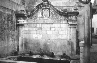 La fontana di Piazza Umberto I com'era prima degli anni '90