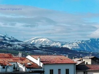 Spolverata di neve sui monti vicini a Sant'Andrea di Conza