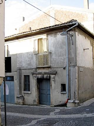Fabbricato sito tra Via S. Marco e Vico I Incoronata