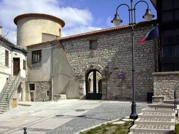 La facciata dell'Episcopio