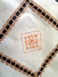 Centro tavola rettangolare nocciola (particolare)