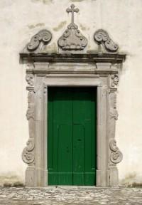 Il portale della chiesa dell'Incoronata