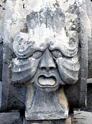 Mascherone, lato sinistro, Fontana dell'Episcopio
