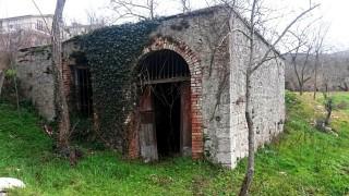 Ingresso del mulino nella derivazione della Via Appia