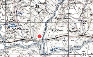 Fig. 4 - Morra De Sanctis (AV), loc. Bosco Nuovo. Il cerchietto in rosso indica il luogo dell'affioramento di materiale antico. Stralcio.