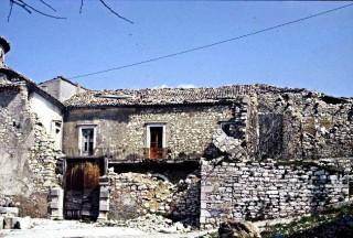 L'Episcopio di Sant'Andrea di Conza dopo il terremoto del 23 novembre 1980