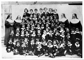 Bambini di Sant'Andrea di Conza all'Asilo Infantile