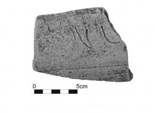 Fig. 5 - Iscrizione ante cocturam (Fotografia: A. Pugliese).