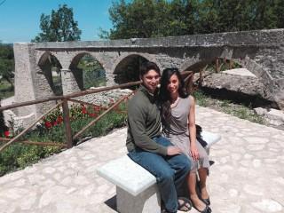 Gina e Ankur vicino al mulino 'alla Fonte' di Sant'Andrea di Conza