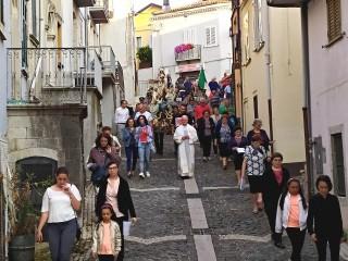 La processione della Madonna del Carmine in Via Roma