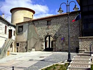 L'Episcopio (sede comunale)