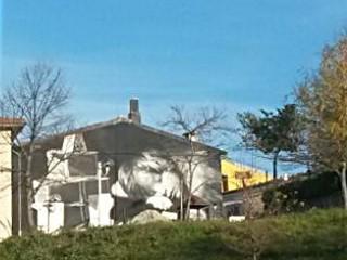 Il murale di L. Gomez all'Alberone
