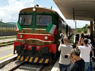 Il Treno dell'Irpinia alla stazione di Conza
