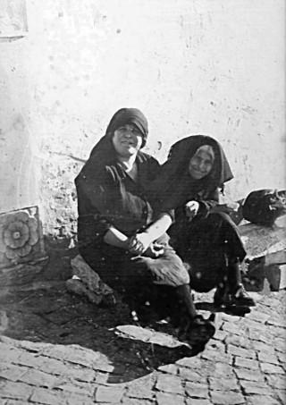 Due donne santandreane