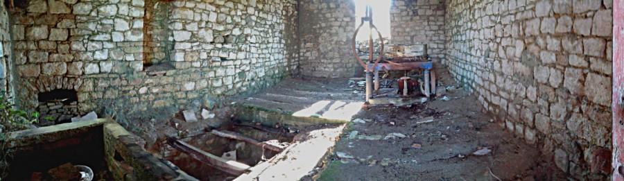 Interno del vecchio mulino elettrico di Sant'Andrea di Conza